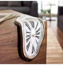 Olvadó óra